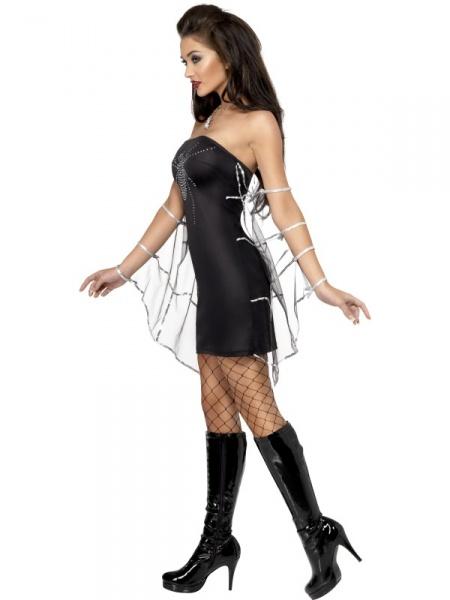 Součástí kostýmu Černé vdovy jsou šaty s třpytivým pavoukem a pavučinovým  závojem. Kostým se Vám bude hodit na halloweenské akce. 2780f9fef1b